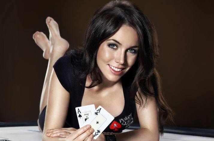 Pemain Poker Wanita Terbaik : Liv Boeree